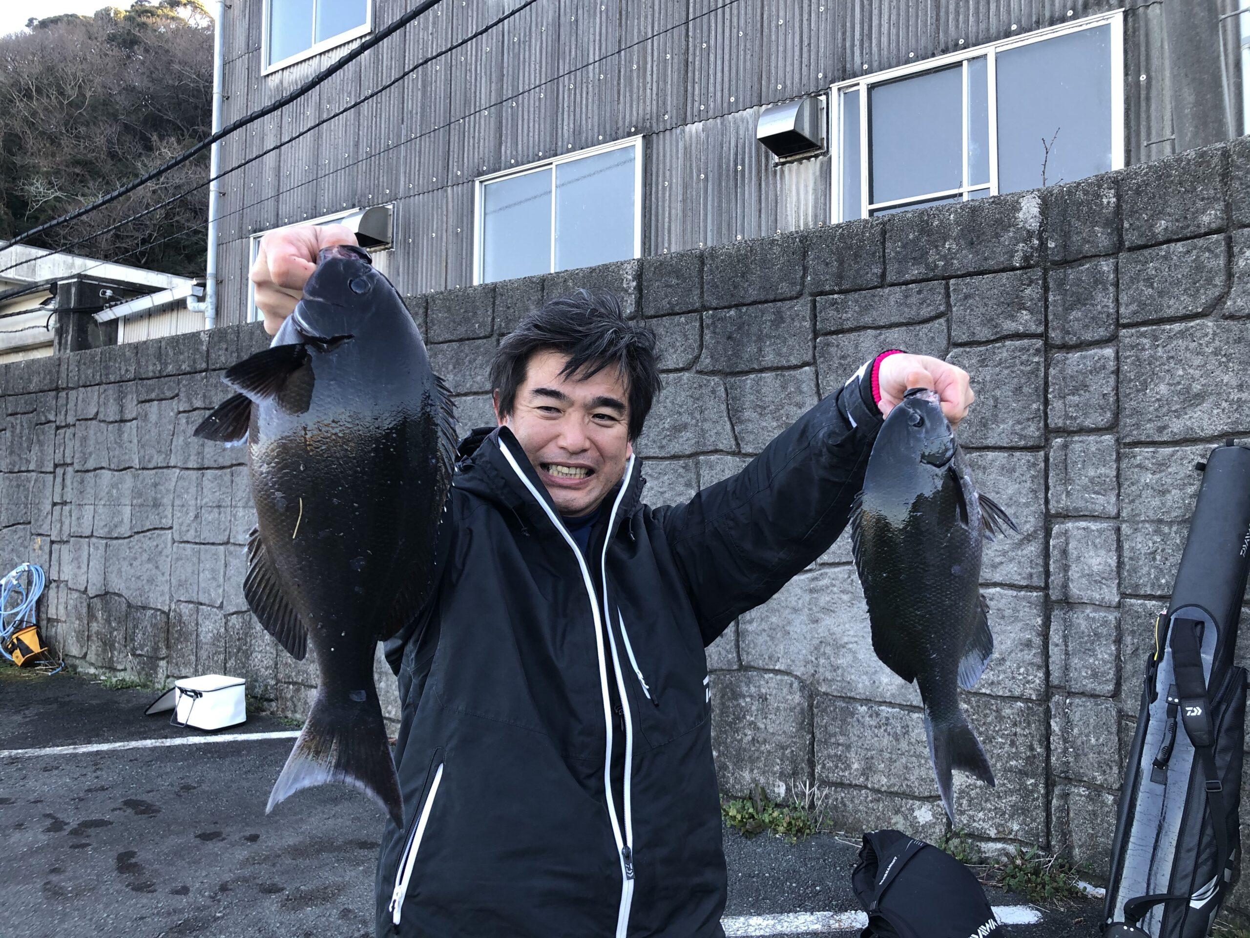 下田沖 石取根 ナライ角 磯釣り メジナ グレ 40cm ひがし丸